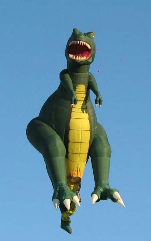 воздушный шар в виде динозавра