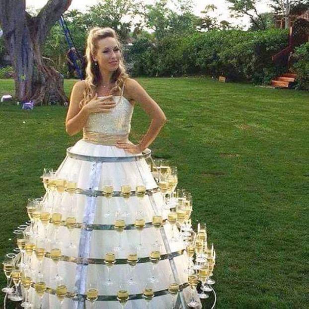 10+ уморительных фотографий невест и их подружек, которые выбрали не самый лучший наряд! рис 3