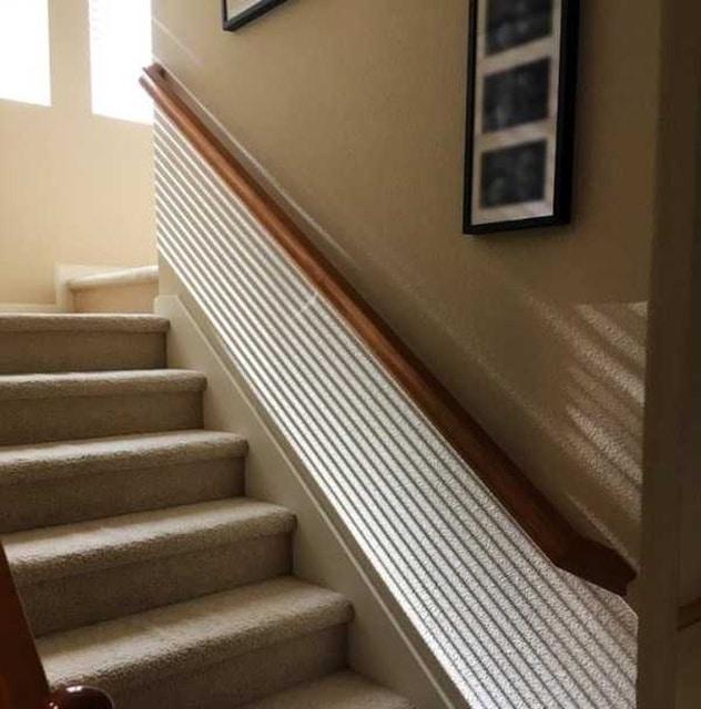 лестница и лучи солнца