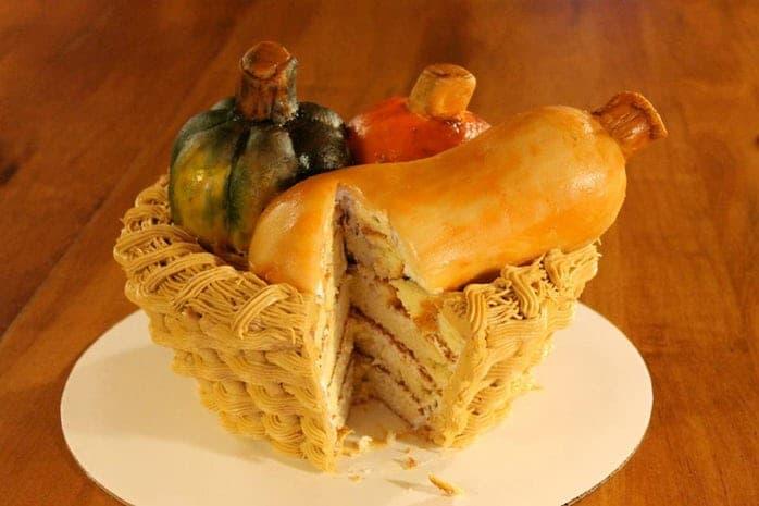 торт в форме корзины с овощами