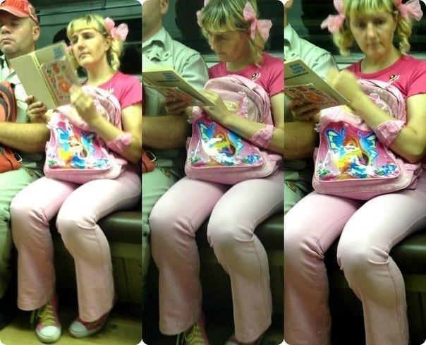 женщина в розовом с бантиками