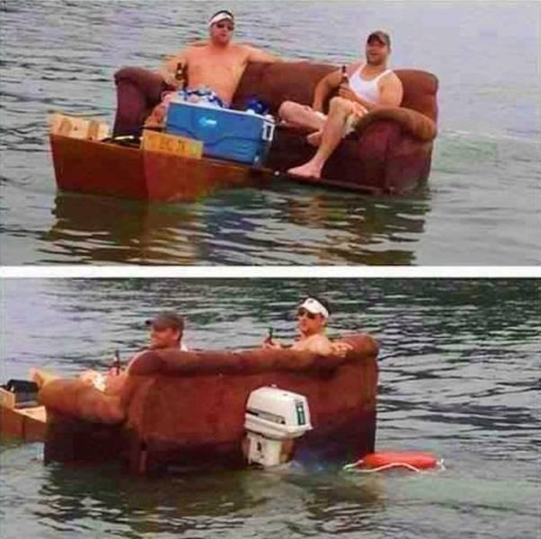 мужчины на плавающем диване