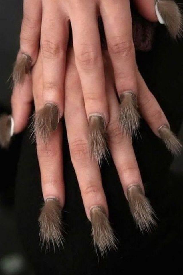 ногти с мехом
