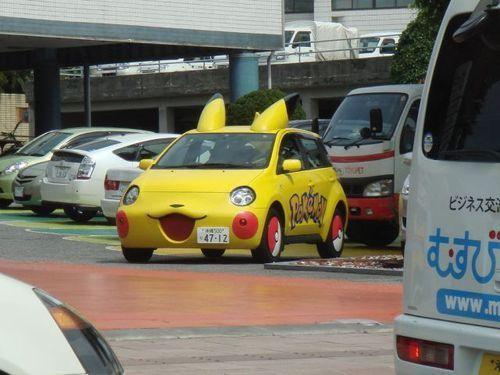 автомобиль в стиле Пикачу