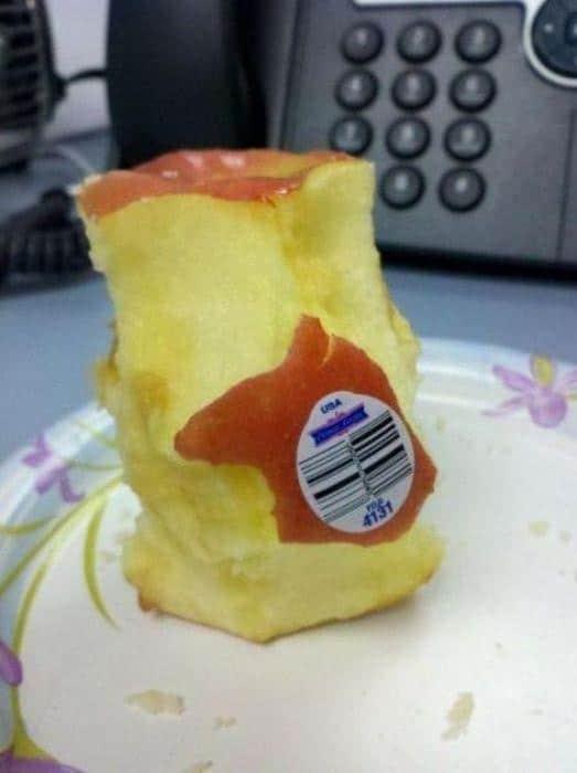 огрызок от яблока