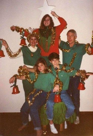 10 весёлых семейств, которые решили провести новогоднюю фотосессию... рис 3