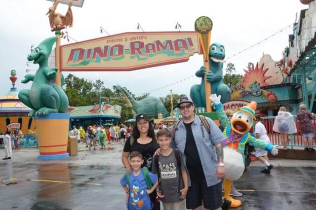 семья в парке развлечений