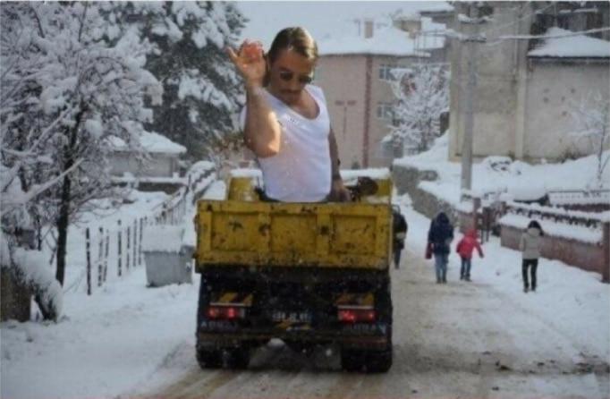 нусрет гекче в кузове грузовика