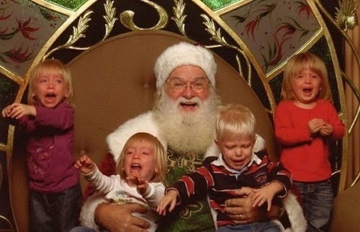 дед мороз и плачущие дети