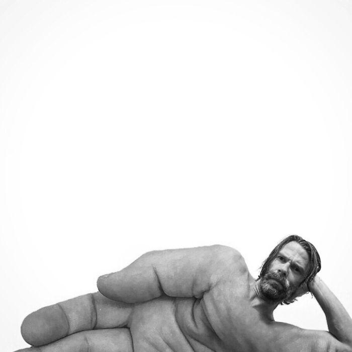 Рука с головой мужчины