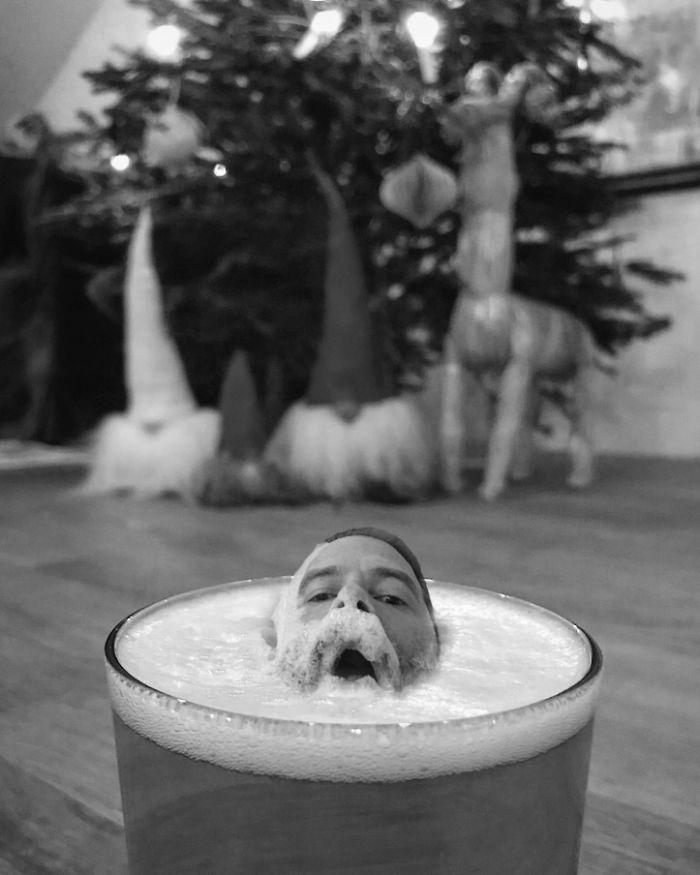 Голова в пивном бокале