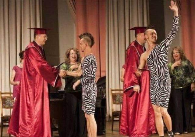 парень с ирокезом в платье