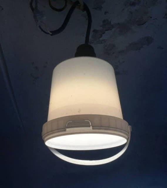лампа из ведра