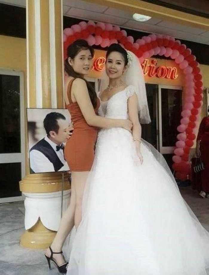 невеста и её подружка