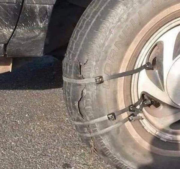 лопнувшее колесо на стяжках