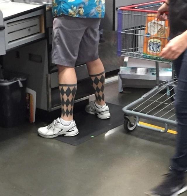 тату узор на ногах