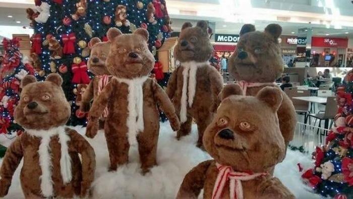 странные медведи в торговом центре