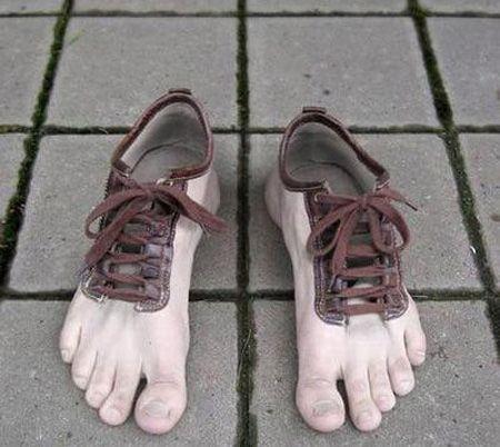 туфли в форме стоп