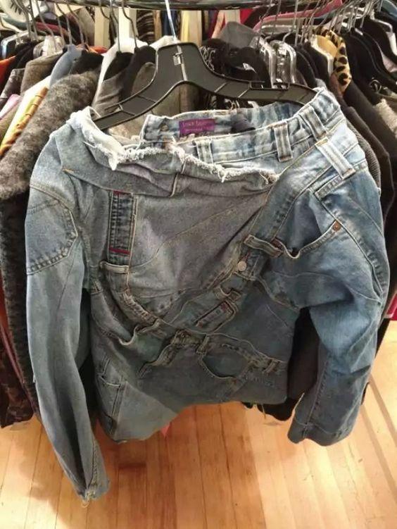 джинсовая куртка на тремпеле