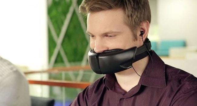 Гарнитура для мобильного телефона, закрывающее рот