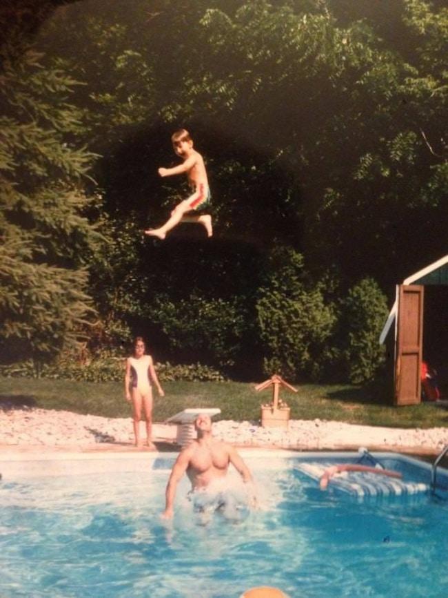 с папой в бассейне