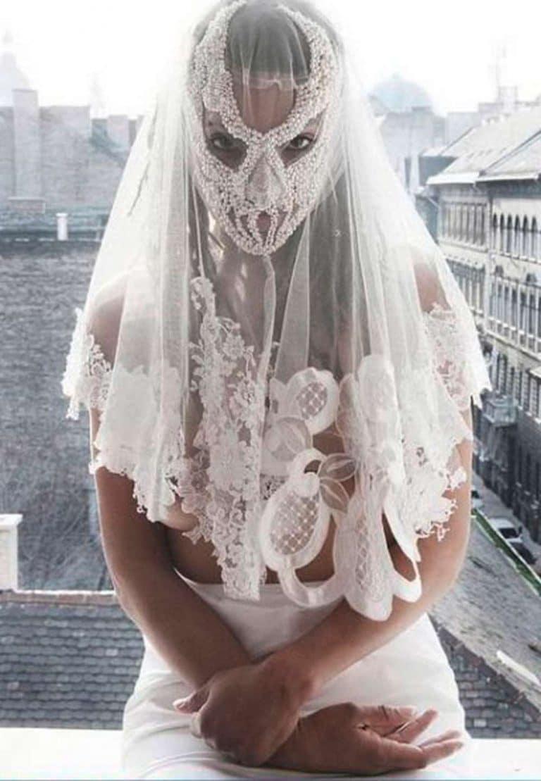 Картинки свадебных платьев смешные, открытка марта текстом