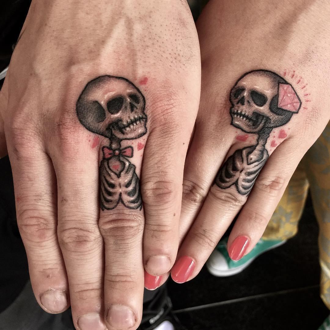 тату в виде скелетов