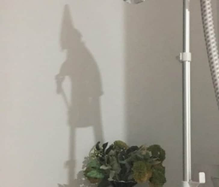 странная тень