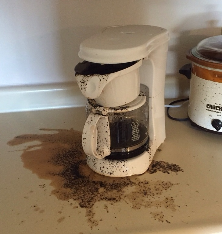 кофеварка потекла