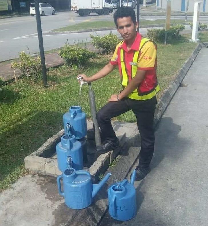 набирать воду