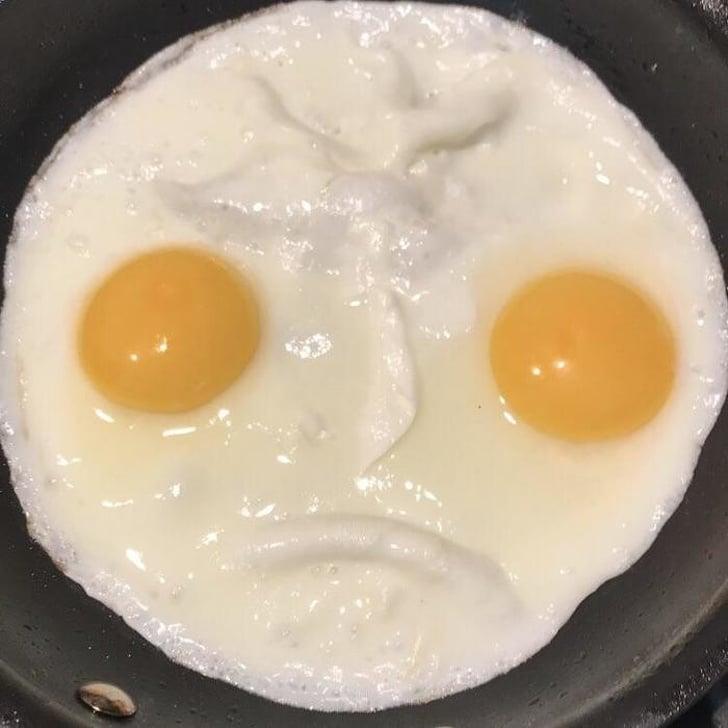 грустная яичница