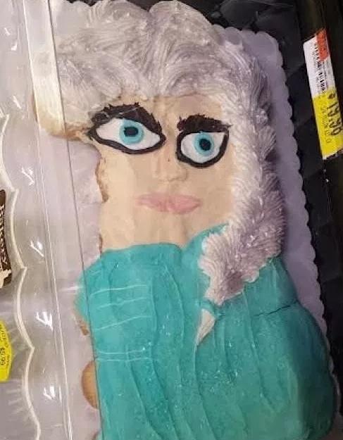 торт в виде эльзы из холодного сердца