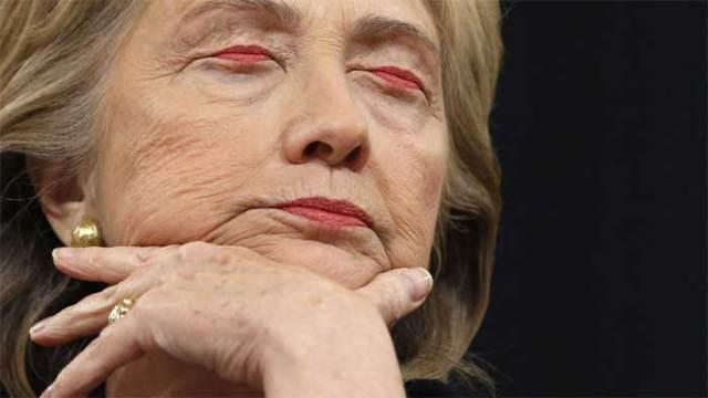 хиллари клинтон с губами вместо глаз