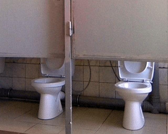 туалеты с высокими дверцами