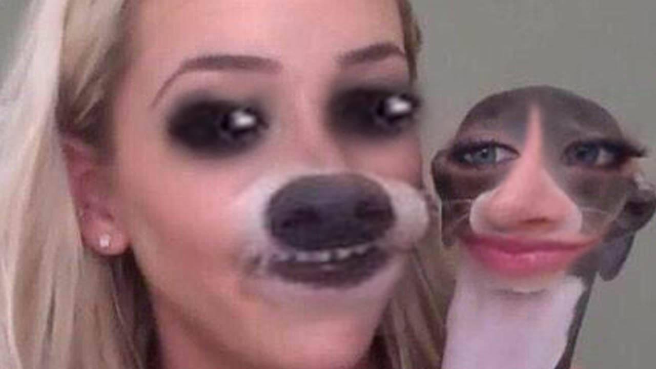 блондинка с собачкой