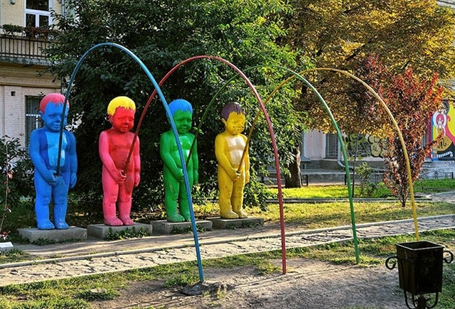 разноцветные мальчики