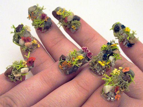 Маникюр в виде цветочных клумб