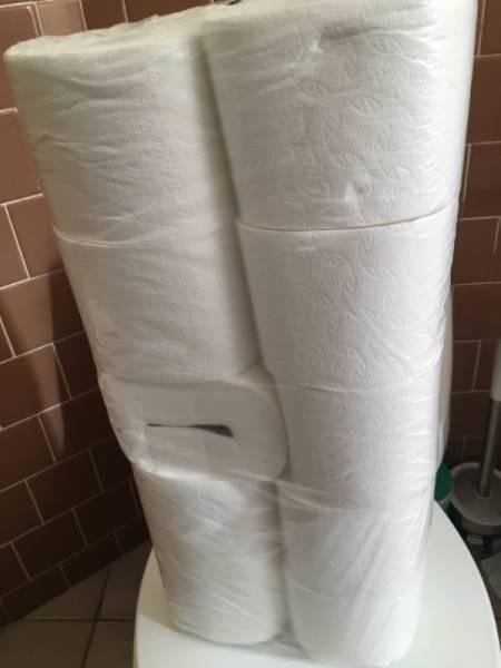 туалетная бумага в упаковке