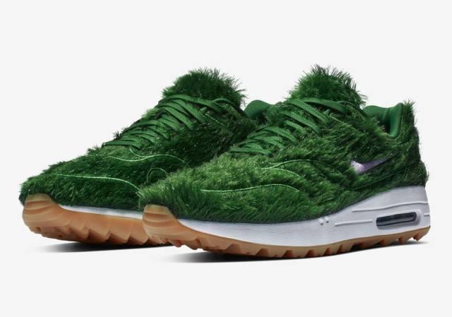 Кроссовки, верхний материал которых имитирует траву