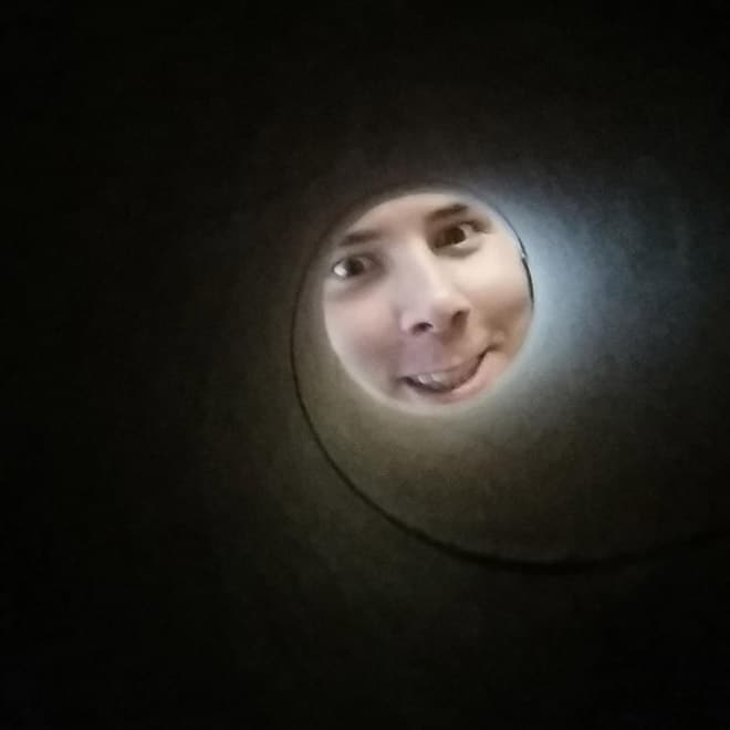 фото парня в катушке от туалетной бумаги