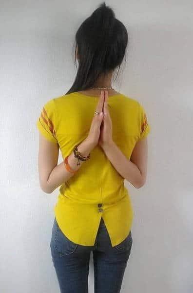 руки на спине