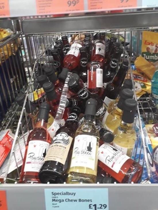полка с алкоголем