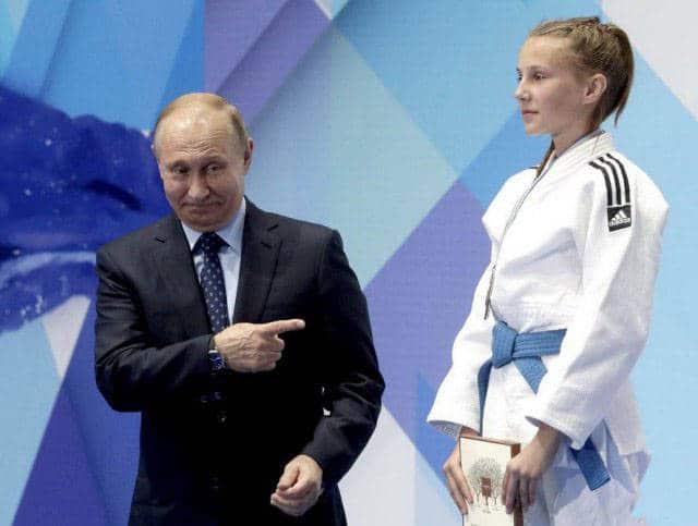 Путин и спортсменка