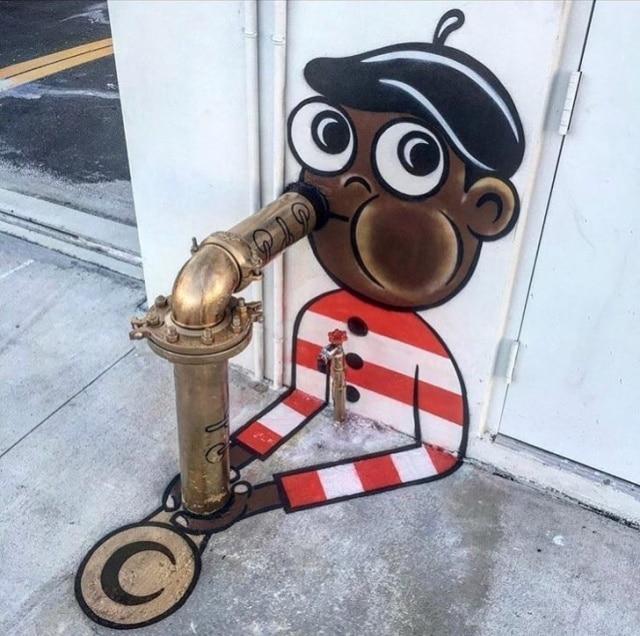 Из водопровода сделали саксофон