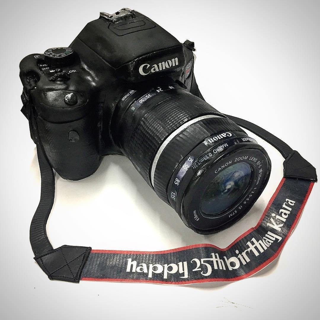 торт в виде фотокамеры