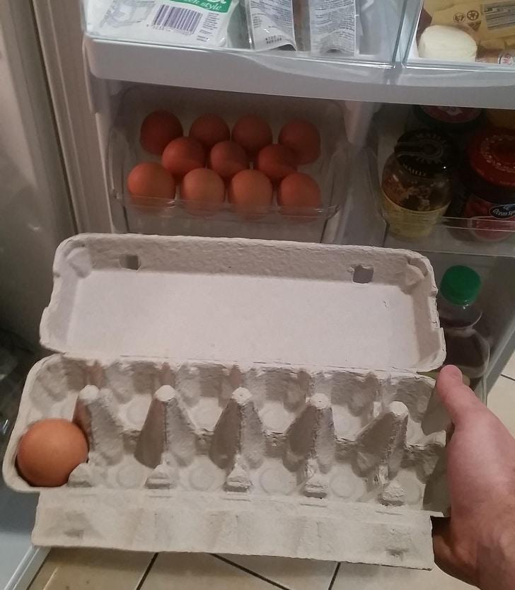 пачка яиц