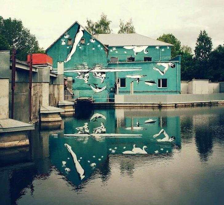 зеленый дом у воды