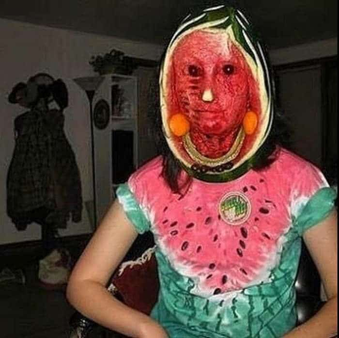девушка раскрашенная под арбуз