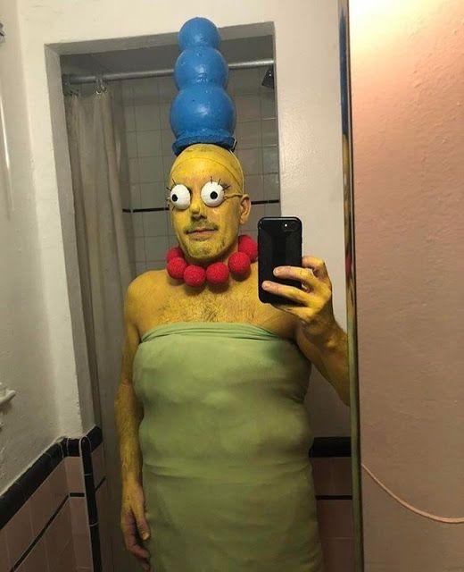 мужчина в костюме мардж симпсон