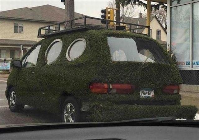 машина с газоном